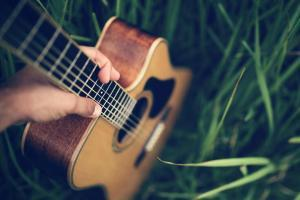 take up guitar classes in Singapore